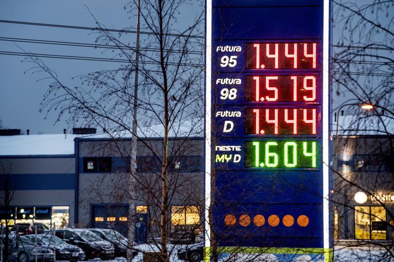 Tämä vuonna ei ole monena viikkona saanut 95-bensaa alle 1,50 euron litrahinnan. Tässä taulussa bensa ja diesel ovat samanhintaisia!