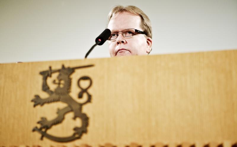 Oikeusministeriön kansliapäällikkö Pekka Timosen palkan nostaminen vaatisi poliittisen hyväksynnän, eikä kaavaillulle korotukselle löytynyt riittävästi tukea.