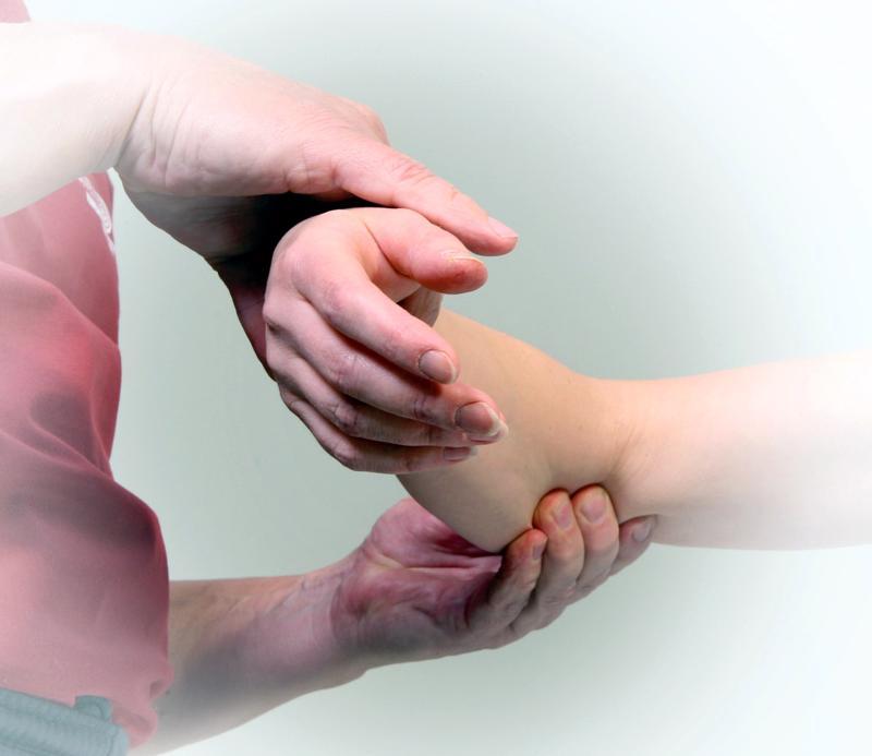 Kalevalaisesta jäsenkorjauksesta ja sen pehmytkudoskäsittelyyn perustuvasta hoidosta on moni saanut avun vaivoihinsa.