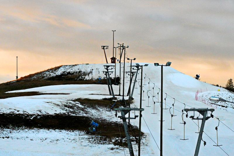 Laskettelukausi Kaustisen Puhkiolla alkanee vasta tammikuun puolivälin tienoilla.