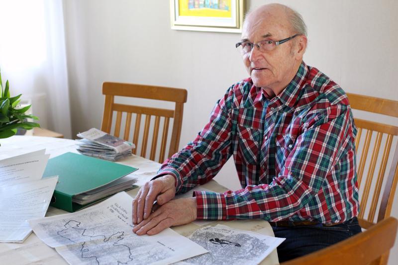 Metsätalousinsinööri Reijo Savela muistaa hyvin, kuinka vaikeaa laajalle levinnyttä paloa oli hallita.