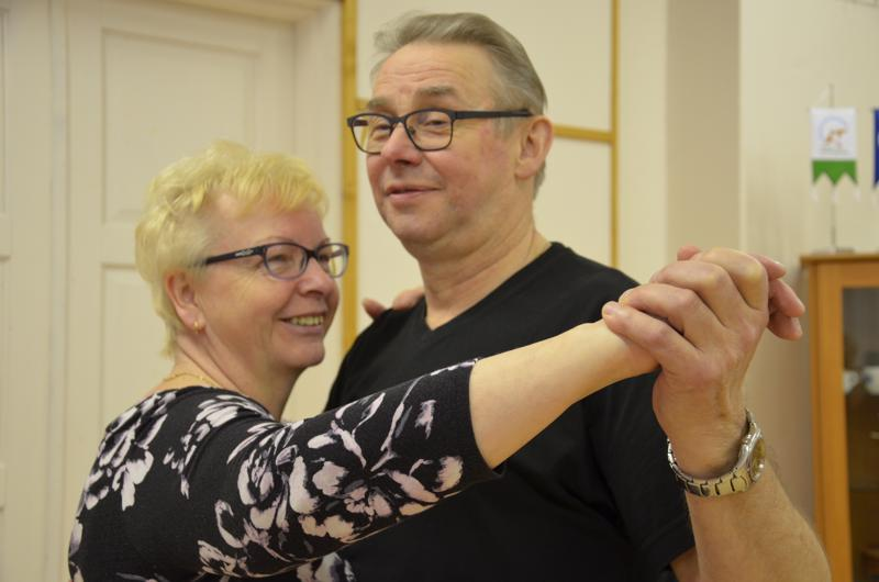 Tanssiminen on ollut Taina ja Risto Lintosen harrastus koko yhteisen elämän ajan.