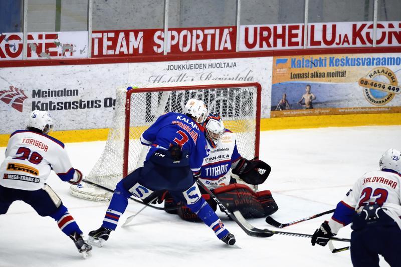 Teemu Karjalainen ampui kaksi maalia lauantain ottelussa Titaaneja vastaan.