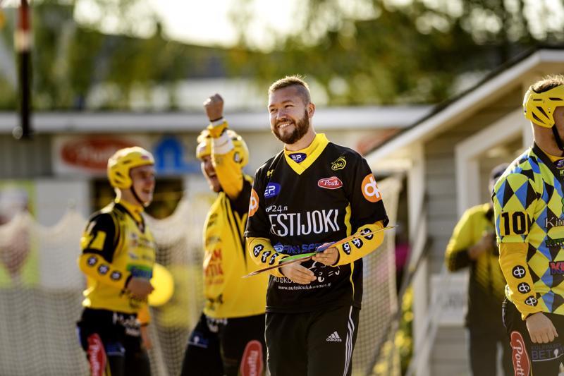 Kannuksen Ura nousi viime kesän päätteeksi Ykköspesikseen pelinjohtaja Eetu Rekosen johdolla.