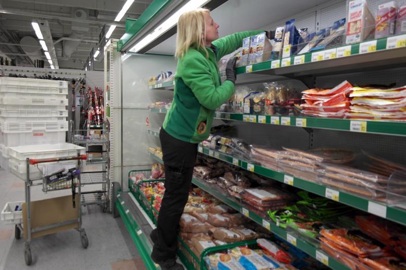 Pietarsaaren Prisman lihaosaston vastaava Eija Orpanan mukaan perinteiset pakkauskoot ovat säilyttäneet vielä suosionsa.