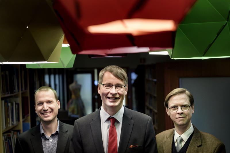 1700-luvun historian tutkijat Kristóf Fenyvesi, Osmo Pekonen ja Johan Stén järjestävät ruotsinkielisiä kulttuuritapahtumia kouluissa eri puolilla Suomea Svenska Kulturfondenin rahoituksen avulla.