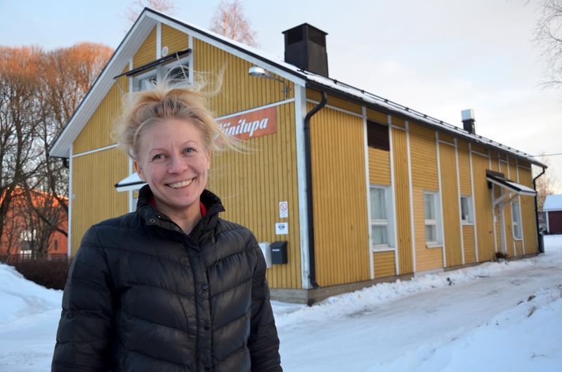 Kaustisen 4H-yhdistyksellä on nyt oma kokoontumispaikka Pelimannitorin kupeessa sijaitsevassa keltaisessa talossa. Toiminnanjohtaja Kaija Lacström lupaa, että kerhotilaa voivat hyödyntää myös muut yhdistykset.