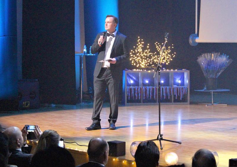 Sivistyslautakunnan liikuntajaoston puheenjohtaja Kim Yli-Pelkola nosti pitämässään juhlapuheessa esille Pietarsaaren menestymisen kansainvälisillä kentillä.
