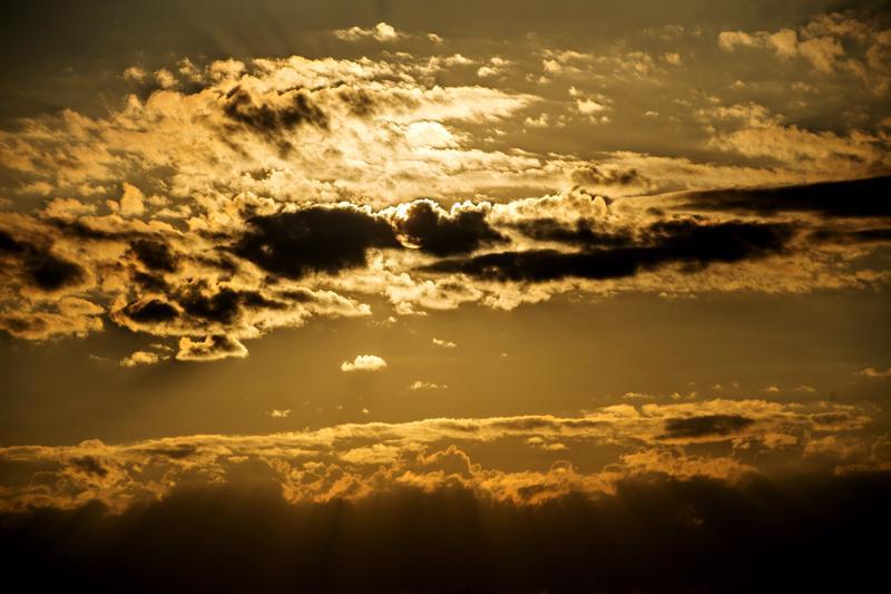 """""""Kun näet Auringon laskevan horisontin taakse, se ei suinkaan mene kotiin, vaan jatkaa paistamista toisella puolella Maapalloa."""""""
