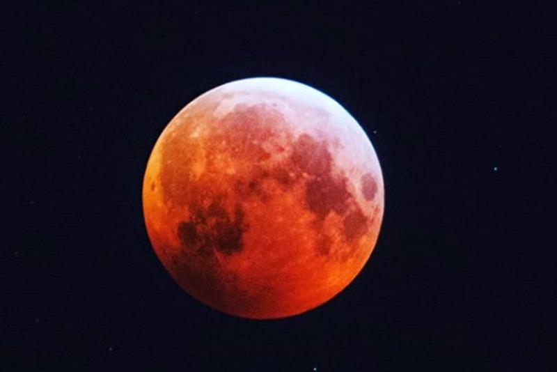 kuunpimennys 21.1