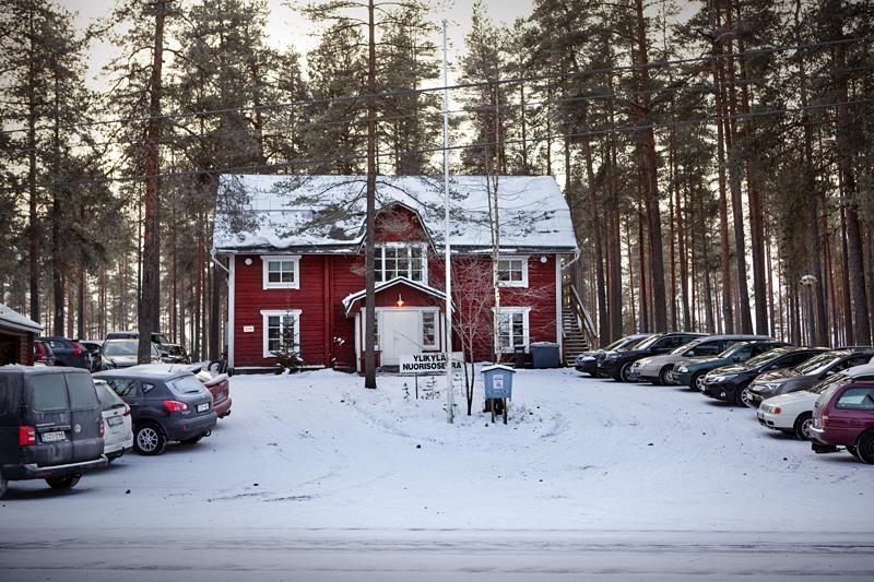 Rahkosessa runsas viikko sitten pidetty kyläkokous päätti ryhtyä keräämään nimiä Ullavan itäisten osien siirtämiseksi Kaustisen kuntaan.