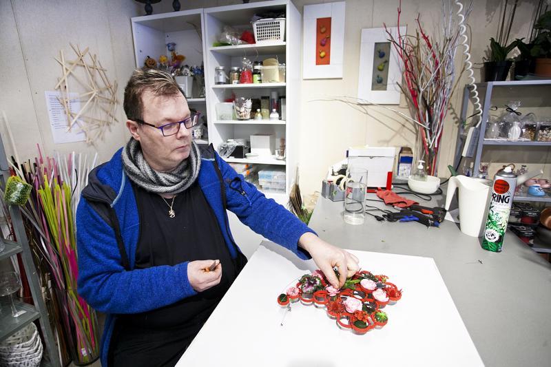 Teppo Lapinoja valmistautuu jo seuraavaan, pienempään kukkakilpailuun.