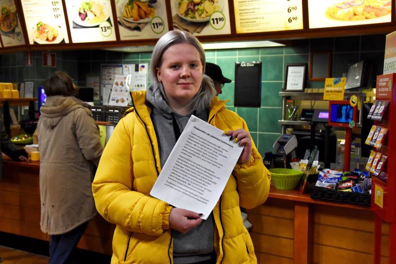 Essi Heikkilän käynnistämä adressi oli keskiviikkona iltapäivällä kerännyt netissä ja ABC:llä yhteensä noin 600 nimeä.