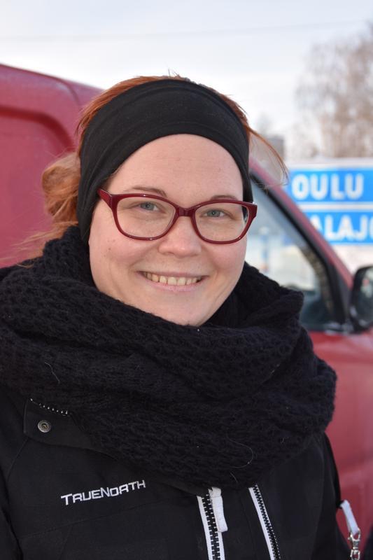 Janette Korpi, Himanka- Pulkkamäki ja luistelu. Yli 15 asteen pakkasella pystyy olemaan vähän aikaa omalla pihalla.
