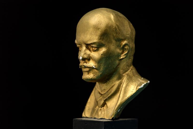 """""""Vladimir Iljits Lenin oli lapsuuteni suurmies, joka katosi jonnekin."""""""