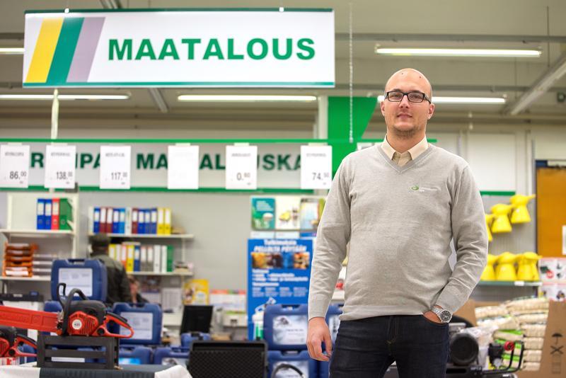 Tuomas Reinikainen palkittiin Lantmännen Agro -ketjun vuoden kauppiaana.