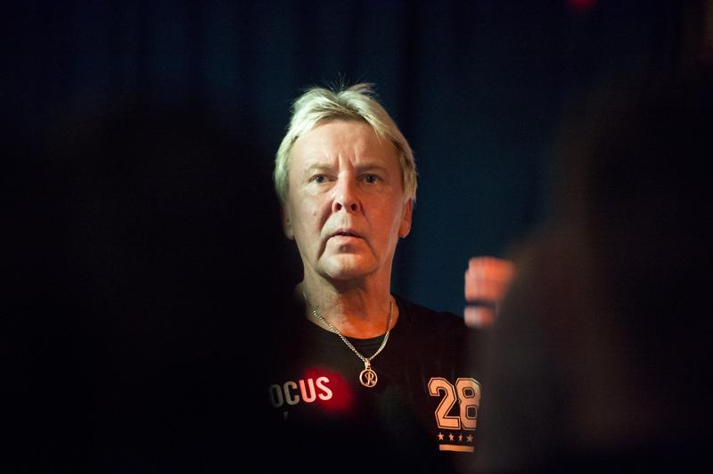 Matti Nykänen siirtyi laulajaksi urheilun jälkeen. Ensimmäinen albumi Yllätysten yö ilmestyi 1990-luvun alkupuolella.