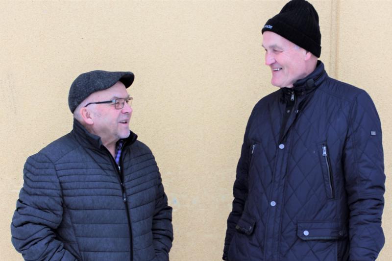 Pietarsaarelaiset Antero Varila (vas.) ja Lauri Ylihärsilä sanovat yhdistystoiminnan antavan heille ajanvietettä ja sosiaalisia kontakteja elämään.