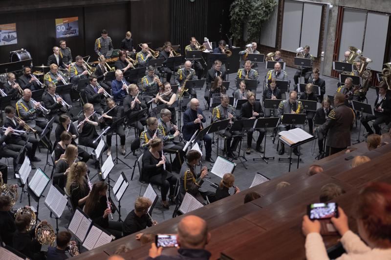 Suomen historian ensimmäinen sotilasmusiikkileiri huipentui konserttiin.