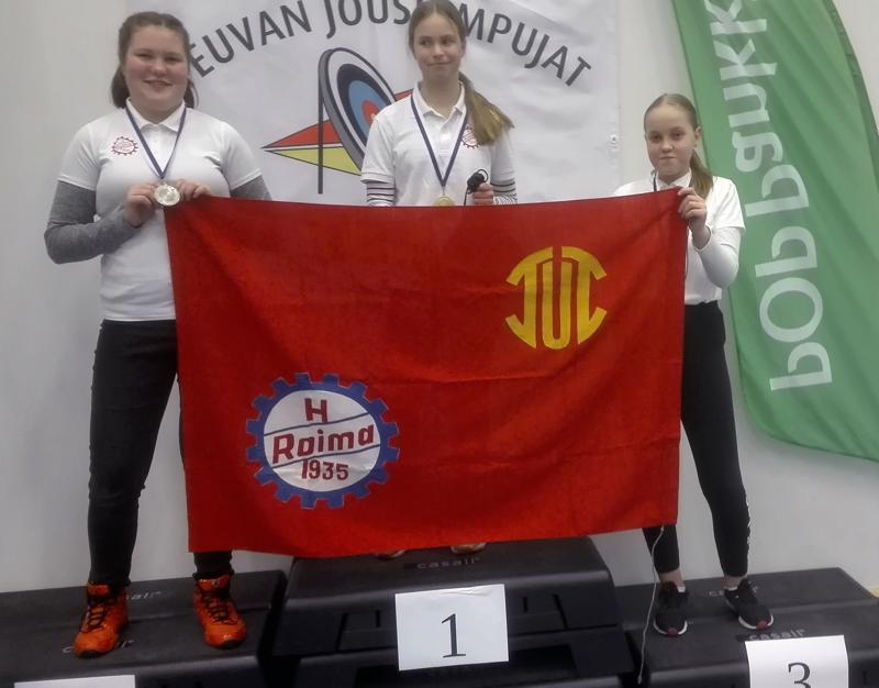 Johanna Rahkonen voitti  Suomen mestaruuden ylivoimaisella ammunnalla. Hopeaa ampui Riina Prittinen ja pronssia Netta Kurikkala.