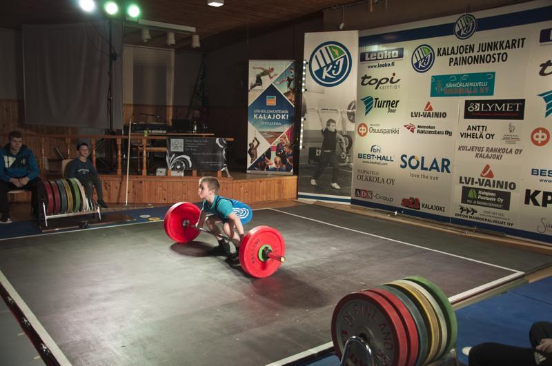 Ossi Alasuvanto voitti hopeaa 35 kilon painoluokassa.
