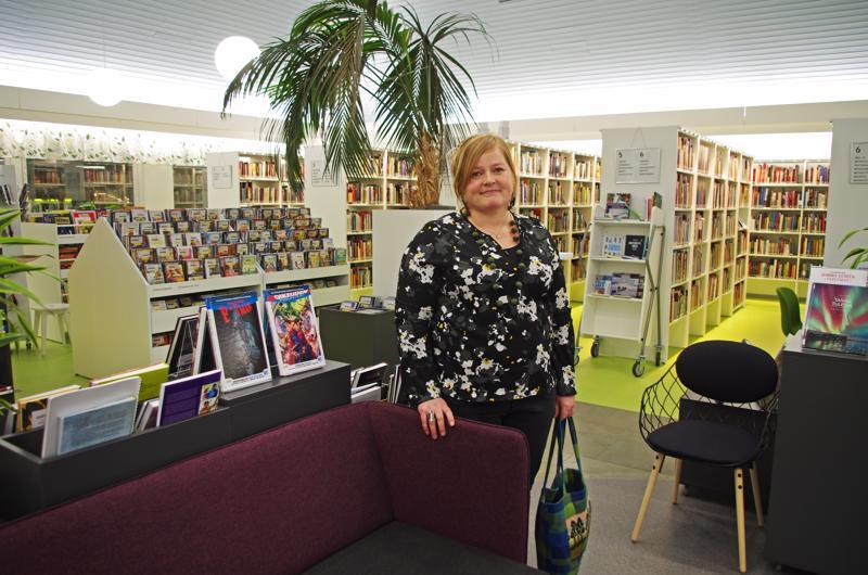 Hanne Kokko sai itse valita kuvauspaikkansa ja valitsi Nivalan kirjaston. Hän on ollut hyvinvointilautakunnassa päättämässä kirjaston remontista ja on tyytyväinen sen  uudesta ilmeestä.