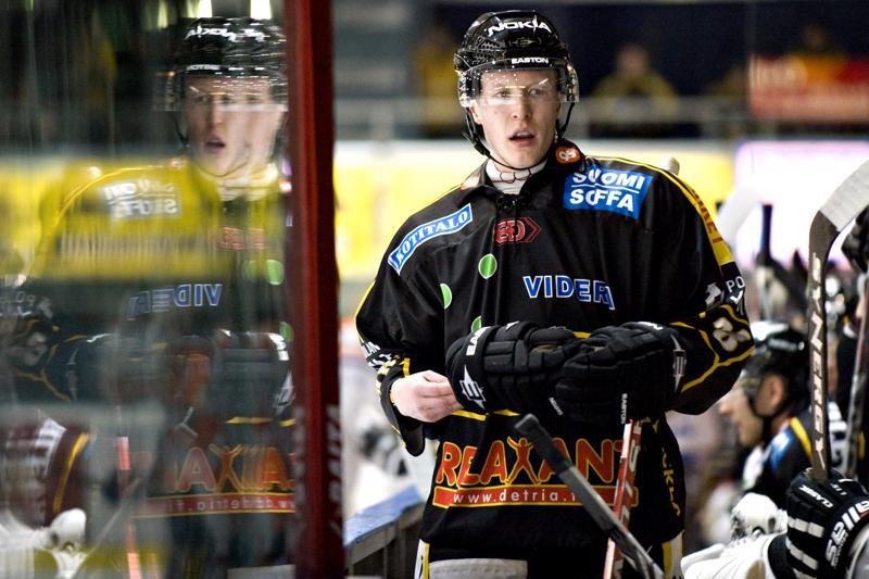 Kärppiä Teemu Aalto edusti kauden 2009–2010.