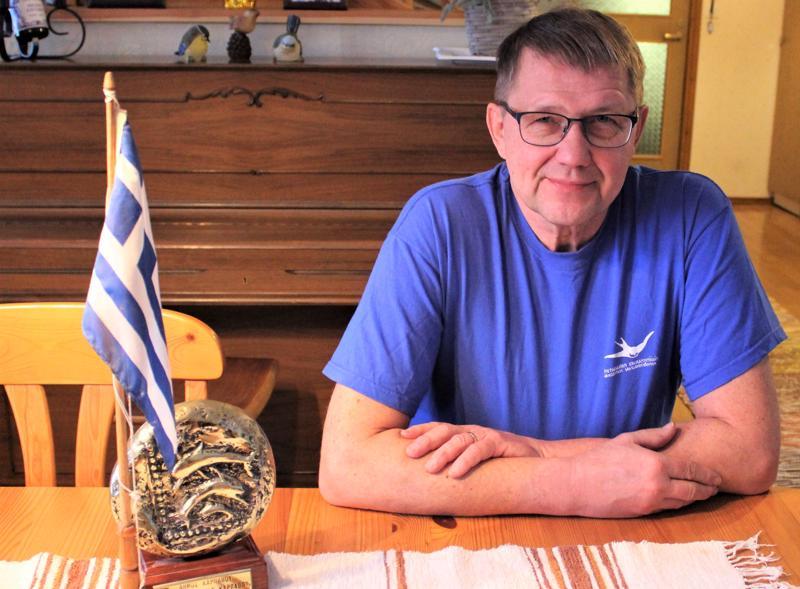 Pietarsaarelainen Matti Antila on matkustanut Kreikkaan joka vuosi viimeisten 27 vuoden ajan.
