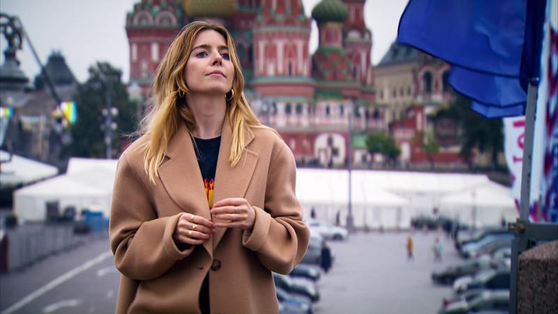 Brittitoimittaja Stacey Dooley perehtyy hakattujen naisten kovaan kohtaloon Venäjällä, jossa lainsäädäntö ei suojaa naista perheväkivallalta.