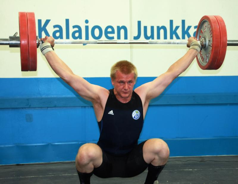 Jani Heikkinen haki uransa toisen SM-triplan Ruskeasuolta.