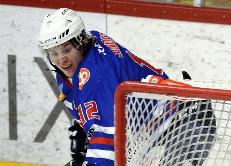 Niklas Sundström ratkaisi voiton Nokialla JHT:lle.