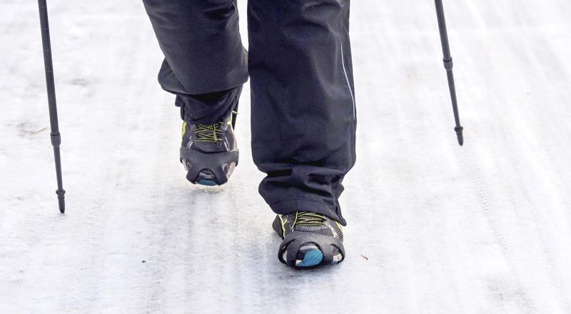 Talvikeleillä kaatumisten yhteydessä tyypillisimpiä vammoja ovat ranteiden ja nilkkojen murtumat sekä nyrjähdykset.