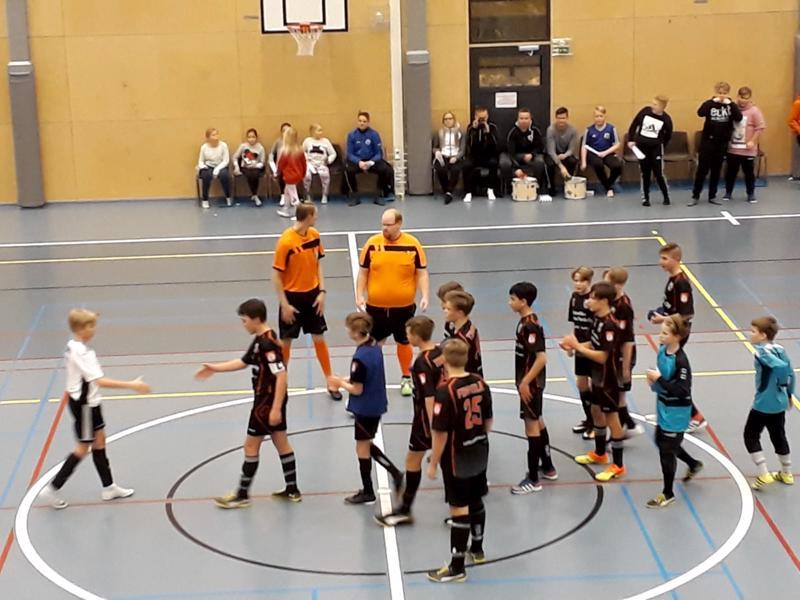 Voitto SM-karsintaottelussa vie VetU:n pojat SM-turnaukseen Tampereelle.