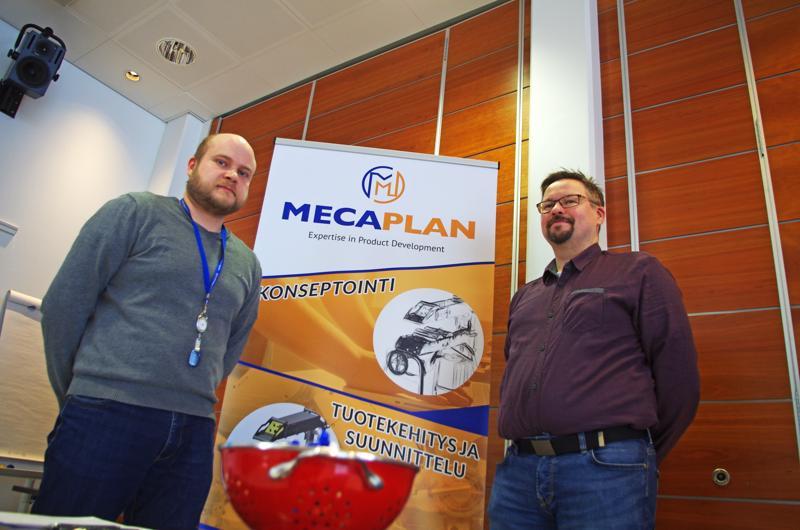 Vanhemmat suunnittelijat Juha Eskola ja Kai Niemi etsivät Mecaplanille lähinnä kone- ja sähköinsinöörejä.