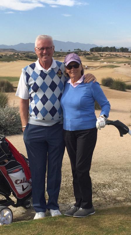 Golf on Helena ja Esa Karjulalle rakas harrastus. Koti Espanjassa mahdollistaa harrastuksen myös talvella. Kalajoen golfkenttä tulee olemaan kovassa käytössä kesäaikana.