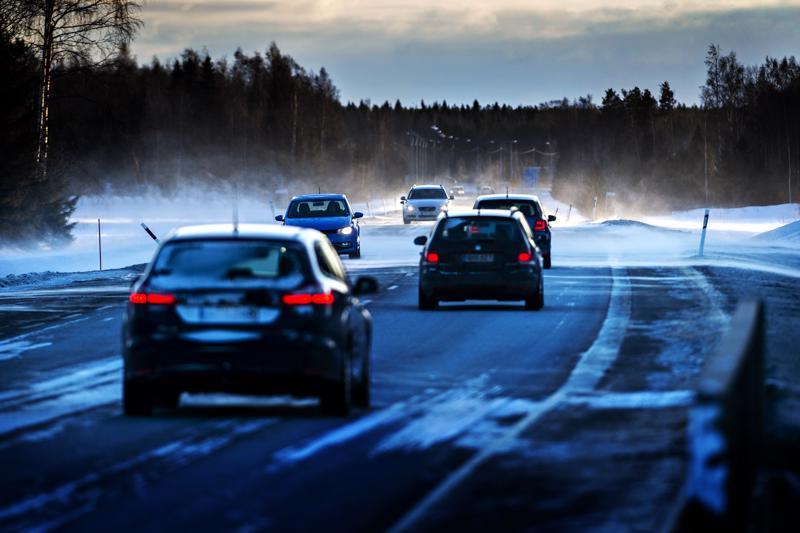Kasitien talvihoitoluokka nousi vuodenvaihteessa Kajaanintien risteyksen ja Himangan välillä.