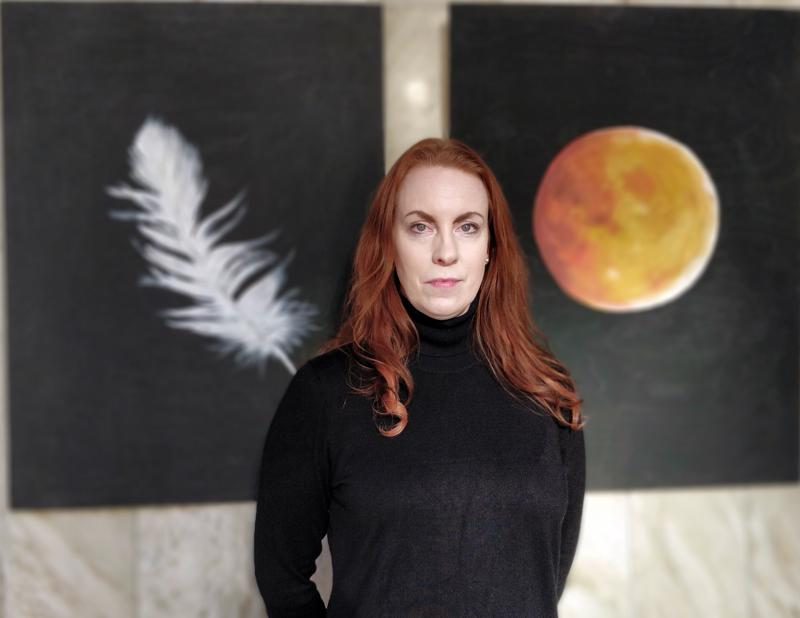 Camilla Fagerholm maalasi surunsa tauluiksi.