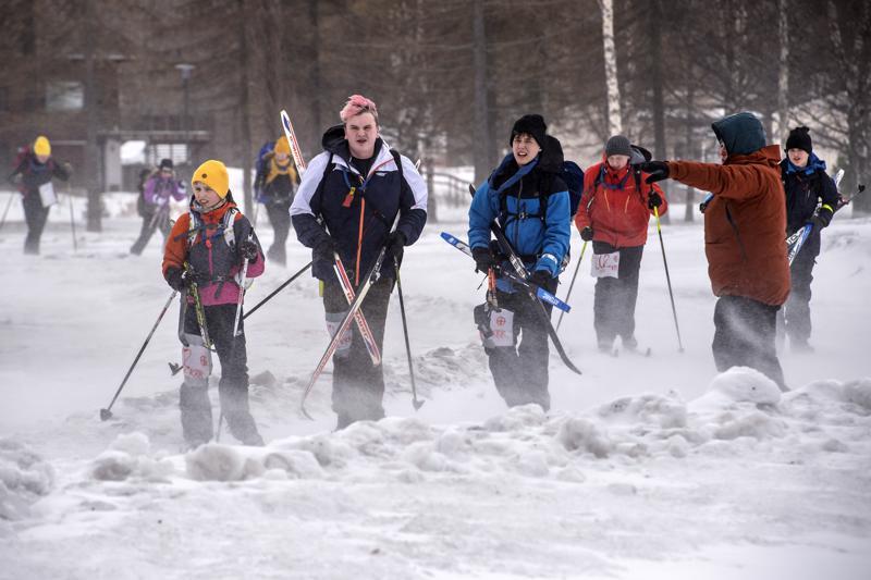 Susi-vartion Otto Altimir, Aapo Hakala, Pyry Mykkänen, Eelis Turpeinen ja Andrei Belogurov pitivät lauantain säätä kamalana. Partiolaiset kuitenkin ulkoilevat säällä kuin säällä.