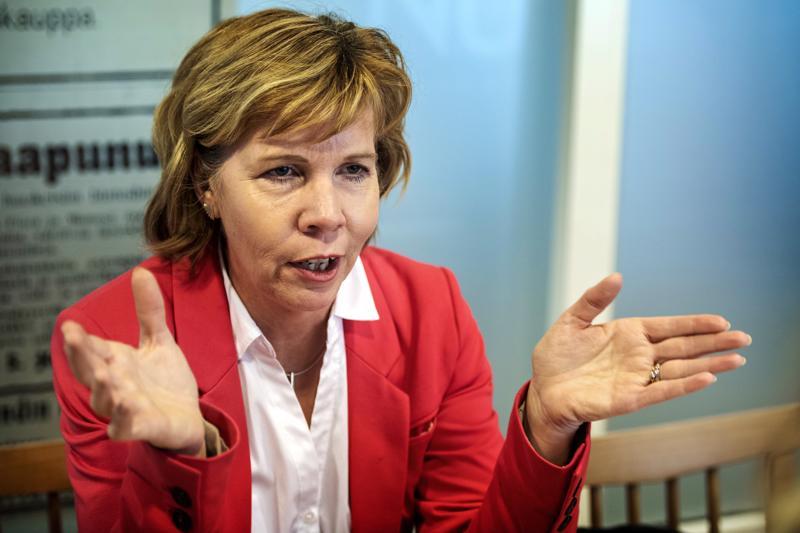 RKP:n puheenjohtaja Anna-Maja Henriksson kannattaa keskittymistä pelkkään soteen seuraavalla hallituskaudella.