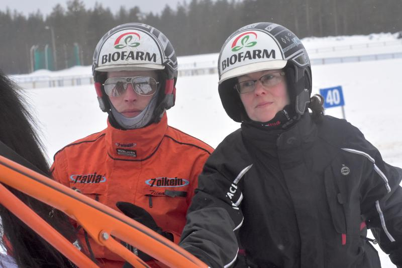 Mikko Peränen ajoi vakuuttavan voiton Tiina Linnan valmentamalla I Onella.