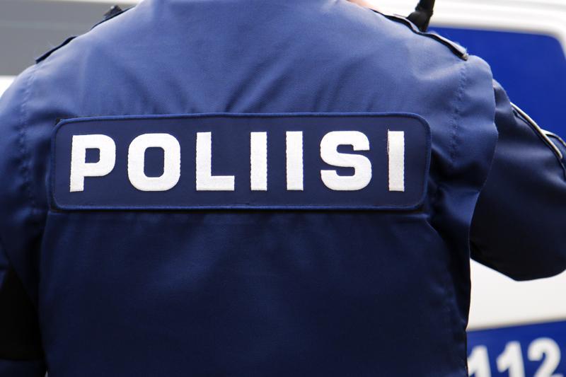 Poliisi selvittää Kaustisella tehtyä murtoa.