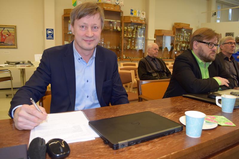 Puutuoteteollisuuden erityisasiantuntija Seppo Romppainen arvioi, että tulevissa rakennusluvissa vaaditaan myös riittävän pientä hiilijalanjälkeä.