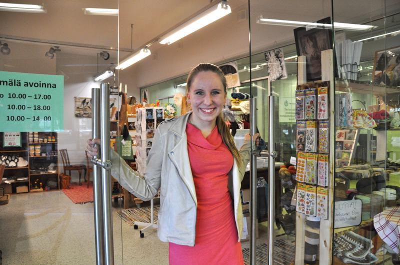 Annan putiikki sijaitsee Reisjärven keskustassa, Liiketila 5D:ssä.  -Ihmiset ovat löytäneet tämän hyvin, Anna Luomajärvi kertoo.