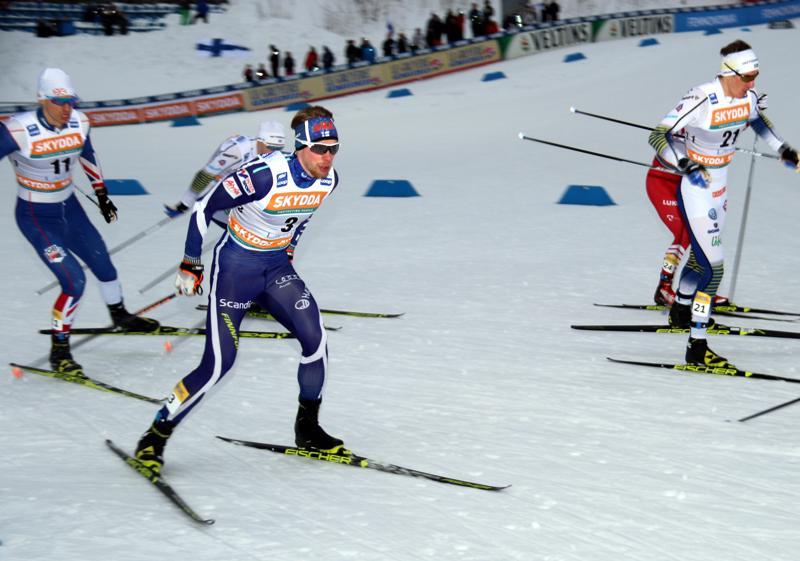 SM-pronssille 50 kilometrillä yltänyt Joni Mäki viiletti helmikuussa Lahden maailmancupin sprinttikilpailussa.