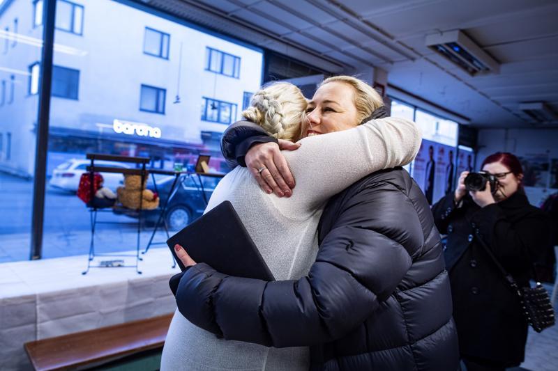 Jutta Urpilainen (sd.) juhi läpimenoaan Kokkolassa.