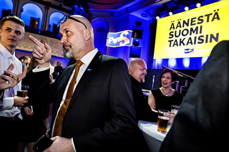 Äänirohmu. Mauri Peltokankaan äänisaalis eduskuntavaaleissa oli 13 101.