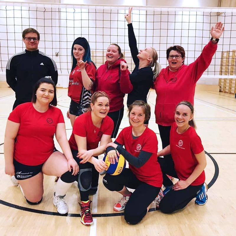 Naisten joukkueessa pelasivat Sanna-Maija Kauppi, Reetta Niskala, Jennina Kero, Annika Hirvi, Sanna Sipi, Iida Siermala, Janette Korpi ja Nelli Tarkka, valmentajana Ville Lehtinen.