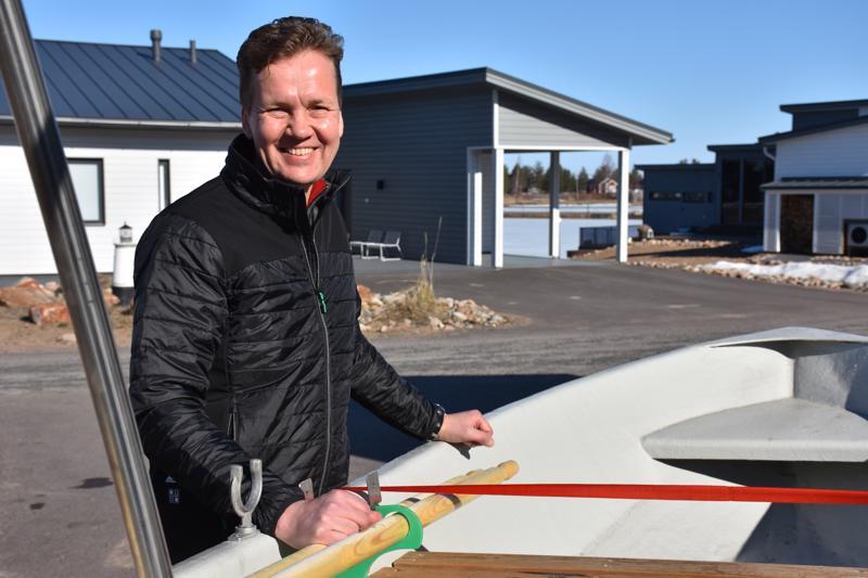 Jukka Juola lähti pääsiäisen kynnyksellä hylkeenpyyntiin. Vuosien myötä hän on oppinut arvostamaan vapaa-aikaa entistä enemmän.