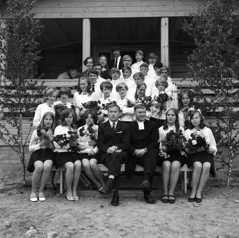 Kesän 1969 leiririppikoulut pidettiin Vinnurvassa. Kuvassa vetäjinä Armas Kumpulainen ja Jouko Pukari.
