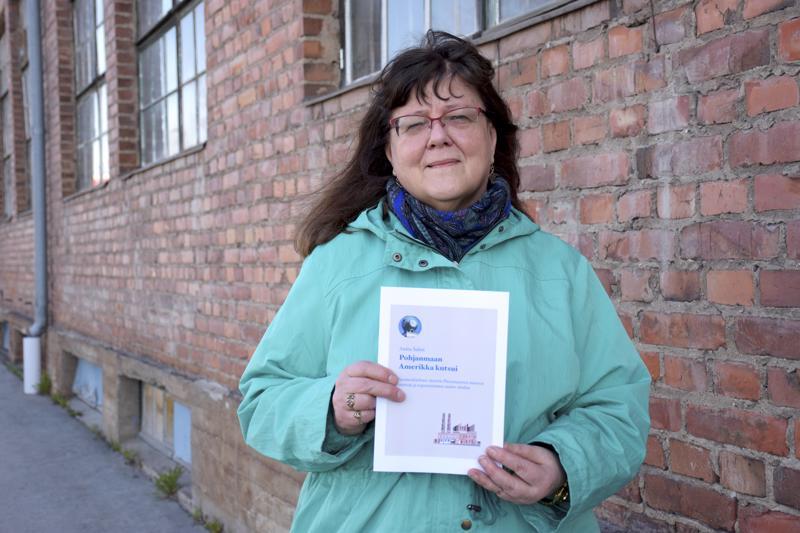 Pieneltä keskisuomalaispaikkakunnalta kotoisin oleva Anita Salmi on itse muuttanut Pietarsaareen, mutta hieman eri reittiä kuin valtaosa teollisuustyöhön tulleista. Entinen Wärtsilän valimo 29ja konepaja ovat hänellekin tuttuja työn puolesta.